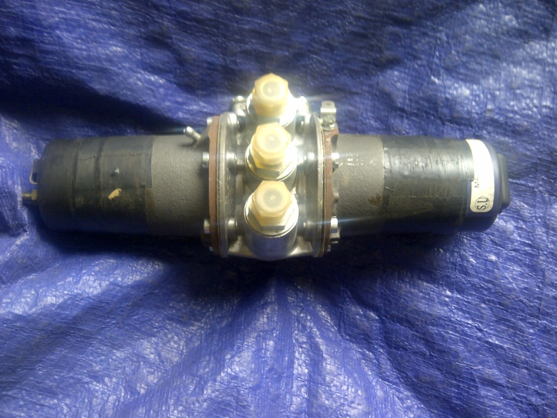 SU fuel pump AUB650